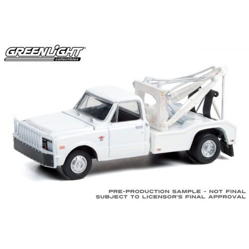Greenlight Dually Drivers Series 7 - 1968 Chevrolet C-30 Dually Wrecker