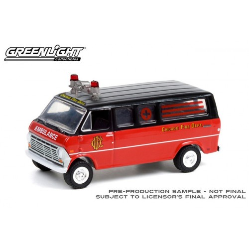 Greenlight Hobby Exclusive - 1969 Ford Club Wagon Chicago Fire Department