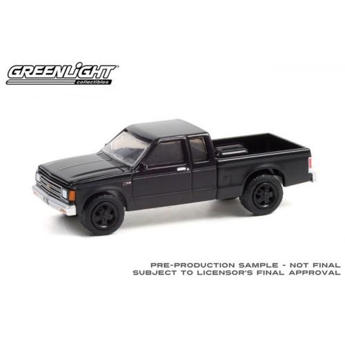 Greenlight Black Bandit Series 25 - 1988 Chevrolet S-10 Extended Cab Pickup
