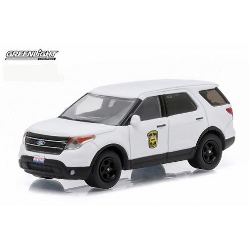 Hot Pursuit Series 17 - 2013 Ford Police Interceptor Utility Navy Pier