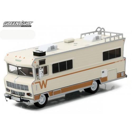 HD Trucks Series 8 - 1973 Winnebago Chieftain